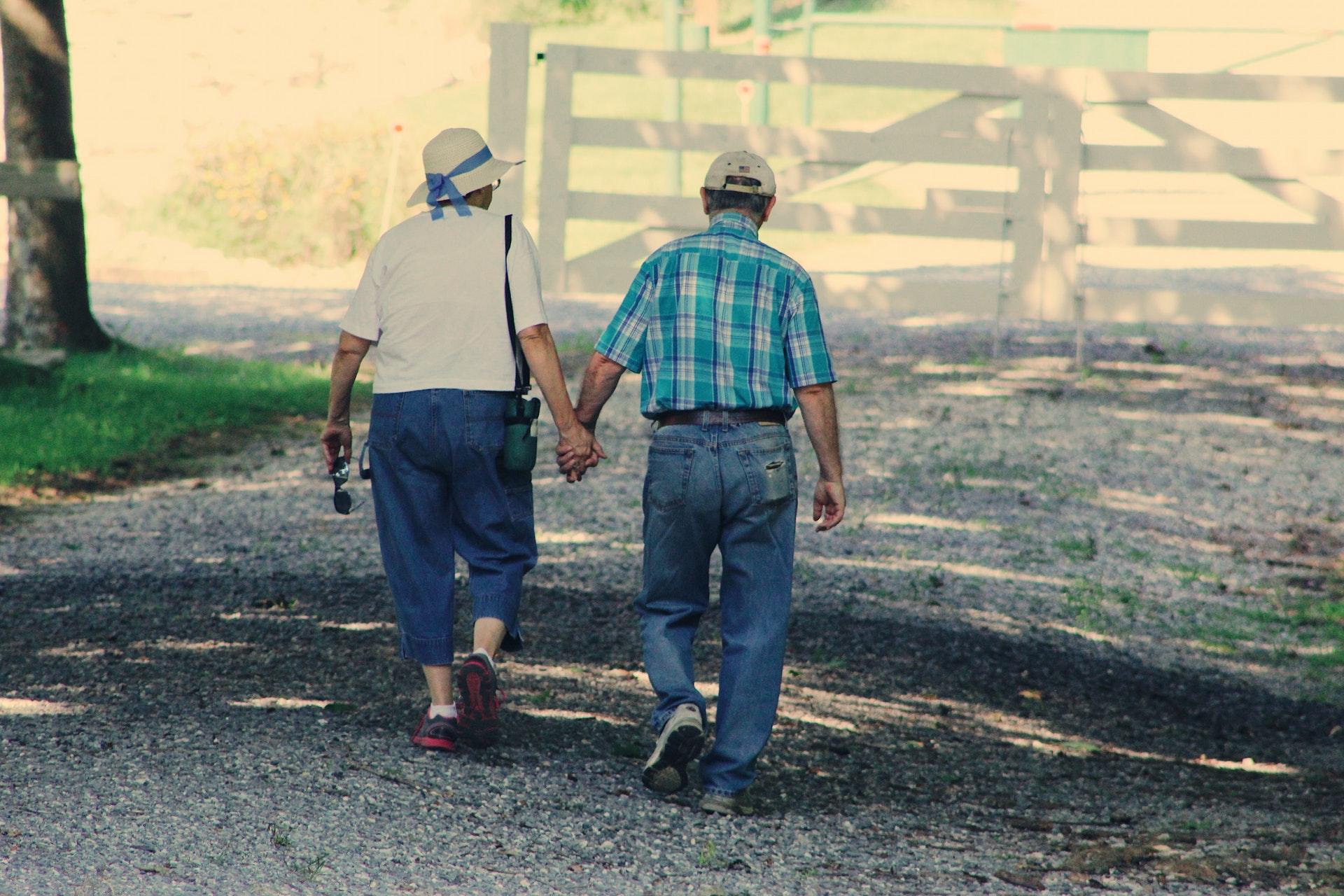Vanhukset ja ikäihmiset